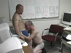 Pooch gets dirty in the office with a damp man in 1 episode