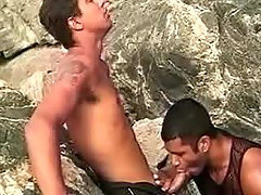 Latin gays in oral threeway outdoor