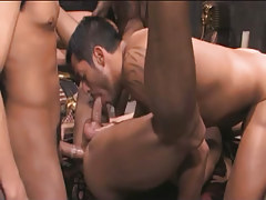 Hairy Chinese gays suck and fuck in gangbang