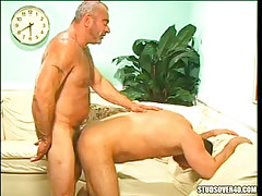 Silver bear dad fucks man in doggy style