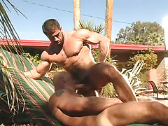 Muscle dilf sucked by man outdoor
