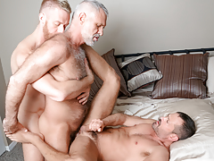 3 males from different decades hook up in a delicious three way