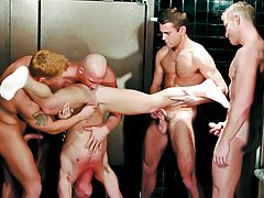 Boys Enjoying An Orgy Of Orally fixating & Rimming In The Bathroom